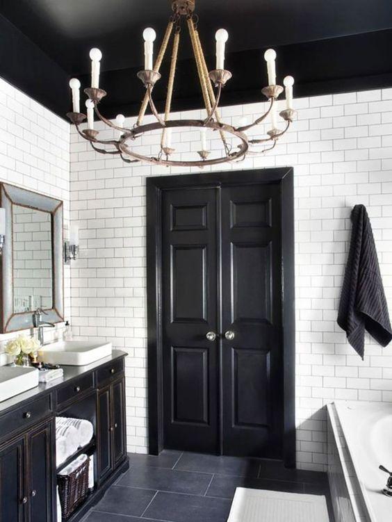 simply blakc bathroom ceiling