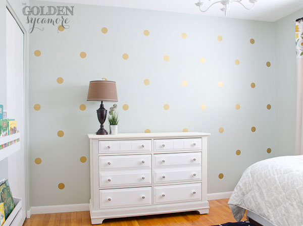 DIY gold polka dot stenciled wall (via thegoldensycamore)