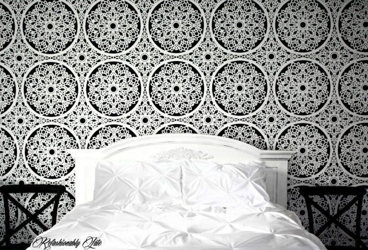 DIY lace feature wall (via refashionablylate)