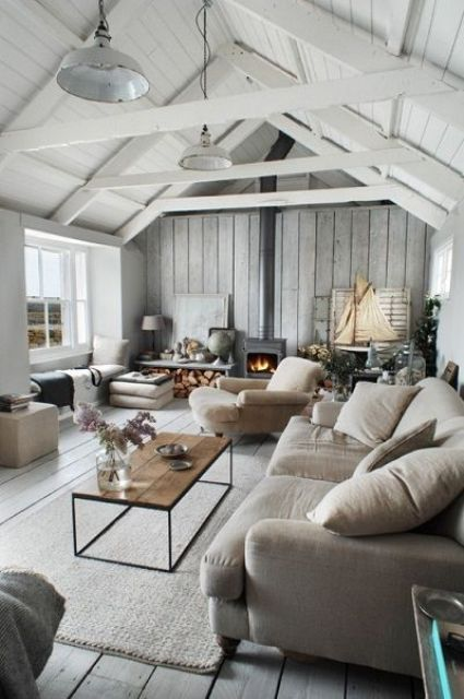 whitewashed wooden ceiling with sculptural beams - White Washed Wood Ceilings
