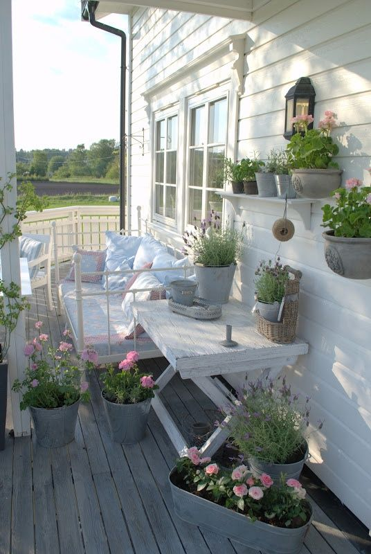 27 shabby chic terrace and patio d cor ideas shelterness for Terrace white