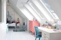 03 long and narrow kids' room in the attic space