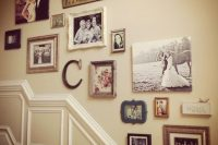 04 mismatching vintage family shot gallery wall
