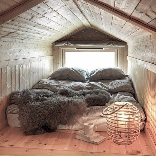 26 Cozy Tiny Attic Nooks And Ideas To Decorate Them