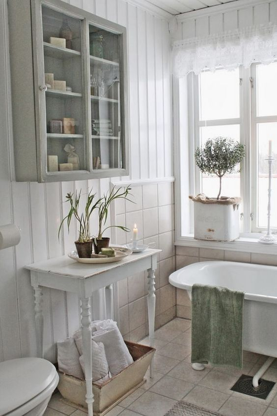 26 adorable shabby chic bathroom d cor ideas shelterness for Country cottage bathroom design ideas