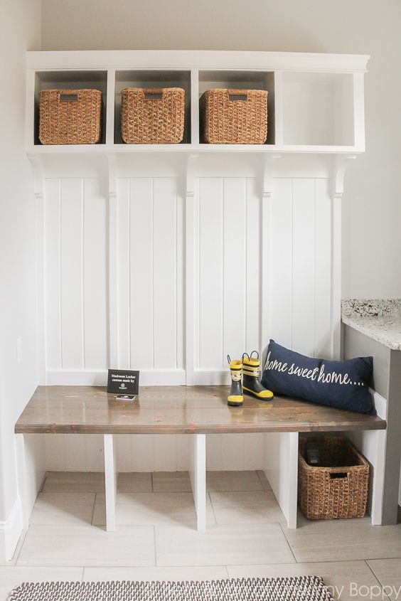 buuilt-in mudroom bench with storage compartments