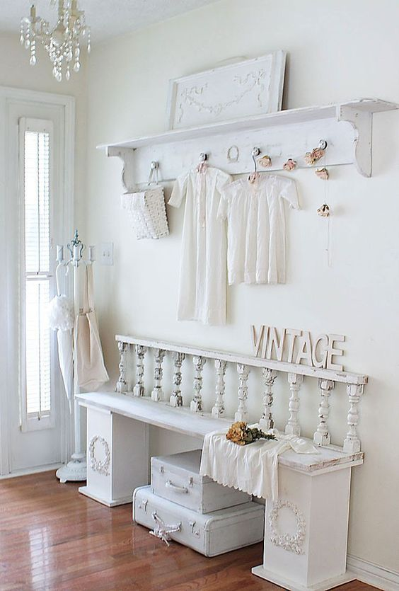 25 shabby chic hallway and entryway d cor ideas shelterness - Muebles shabby chic ...