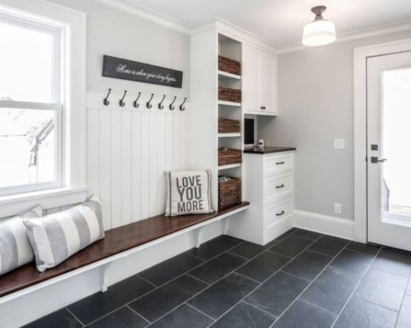 32 small mudroom and entryway storage ideas shelterness for Mudroom layout