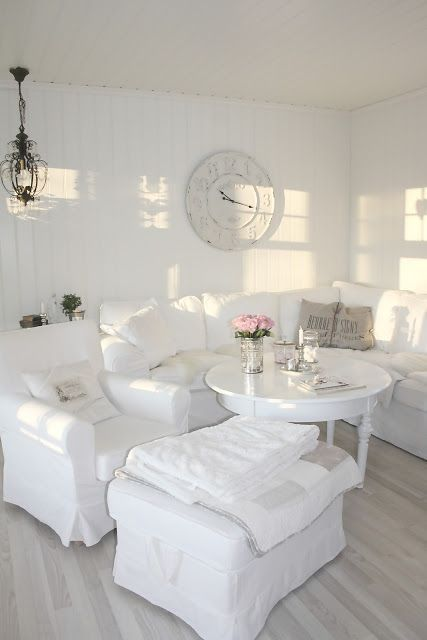26 charming shabby chic living room d cor ideas shelterness for White sitting room furniture