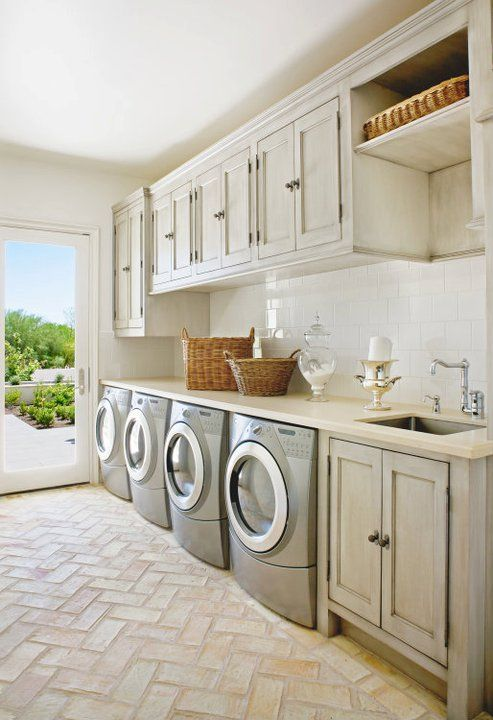 28 clever mudroom laundry combo ideas shelterness for House plans with large laundry room
