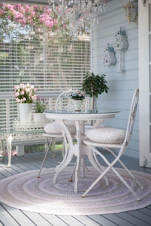French-styled shabby wooden dining set
