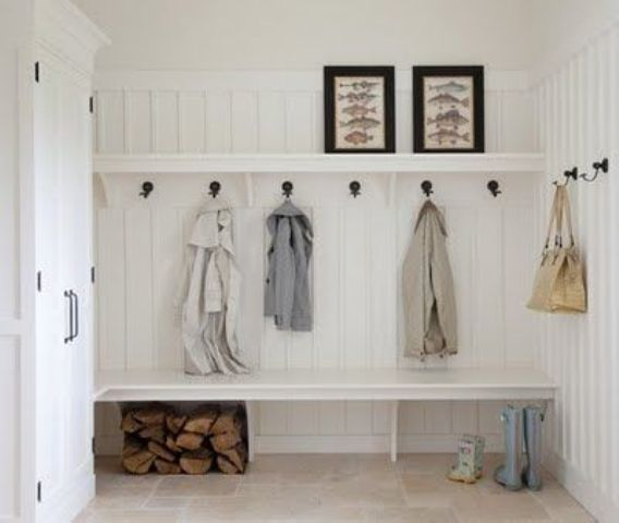 sleek built-in mudroom bench