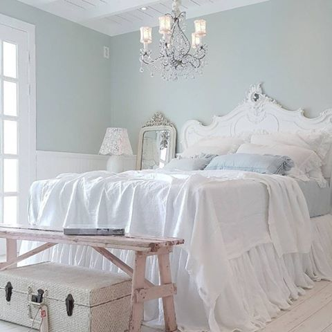 pastels and white shabby chic bedroom
