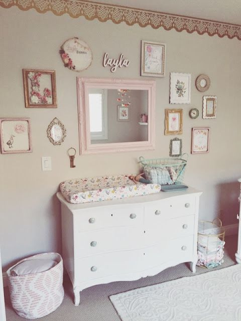 shabby gallery wall to create an ambience