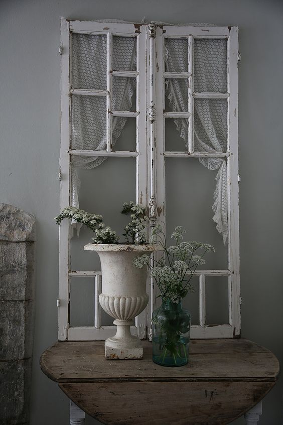 25 shabby chic hallway and entryway d cor ideas shelterness - Photo decoration on wall ...
