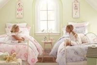 23 vintage attic shared girls' room with floral prints