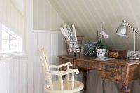 23 vintage home office nook in the attic