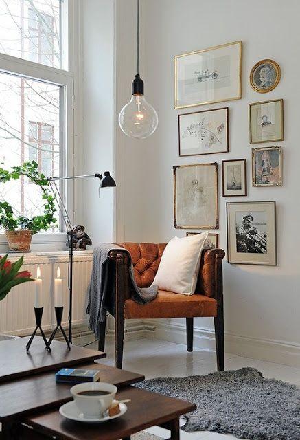 vintage-inspired gallery art wall