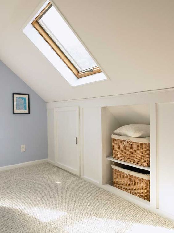 26 creative and smart attic storage ideas to try shelterness for Eaves bedroom ideas