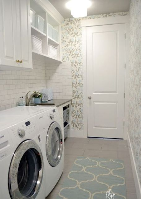 tiny mudroom laundry