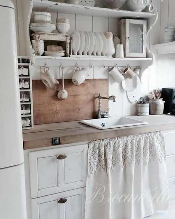 32 sweet shabby chic kitchen decor ideas to try shelterness for Rustic chic kitchen ideas