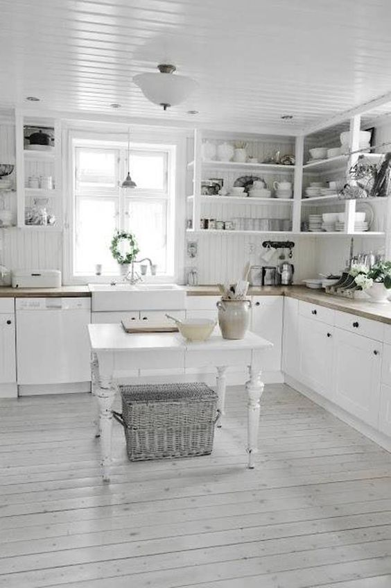 whitewashed shabby chic kitchen decor