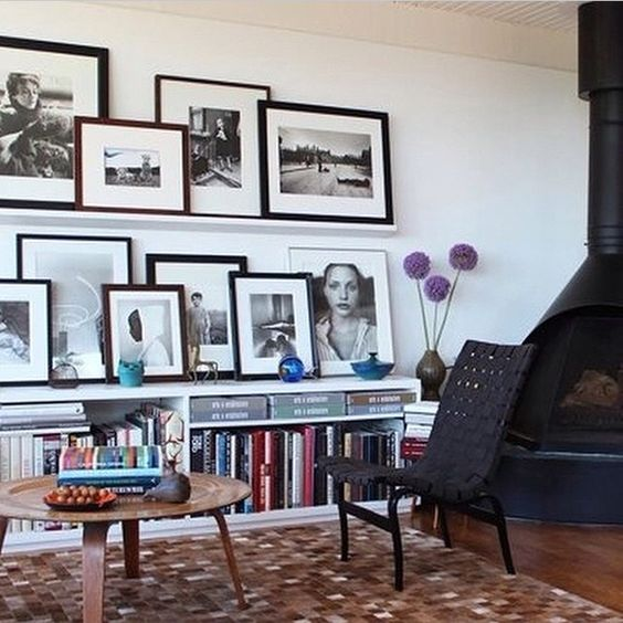 Gallery Wall Ideas Black And White : Ideas to create a photo gallery wall on ledges