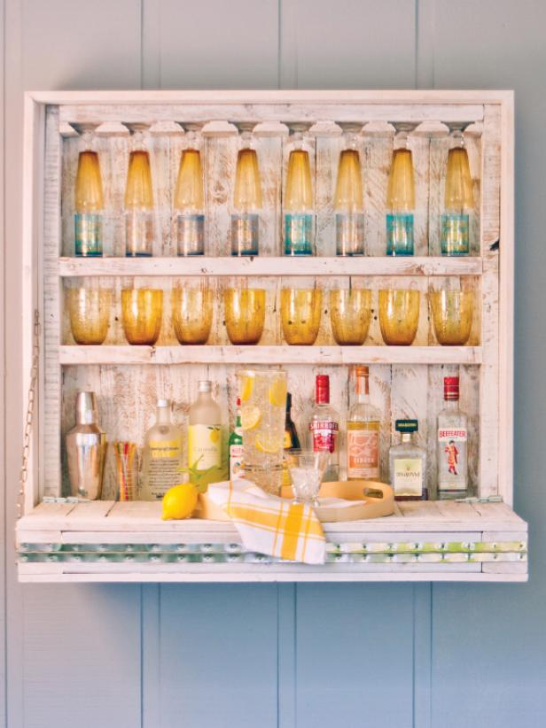 DIY pallet Murphy bar (via hgtv)