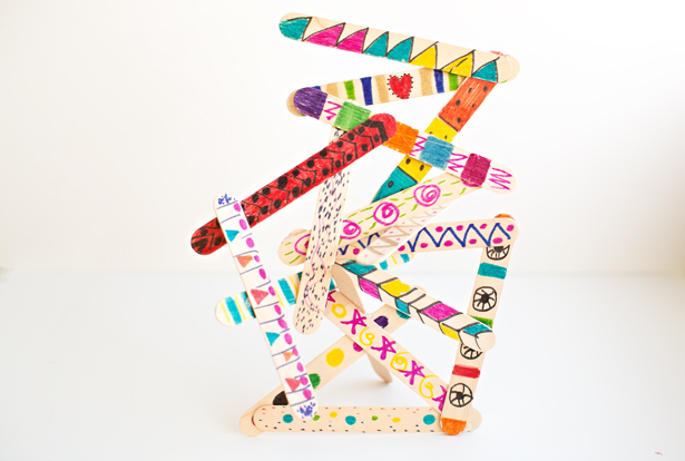 DIY popsicle stick sculptures for kids (via hellowonderful)