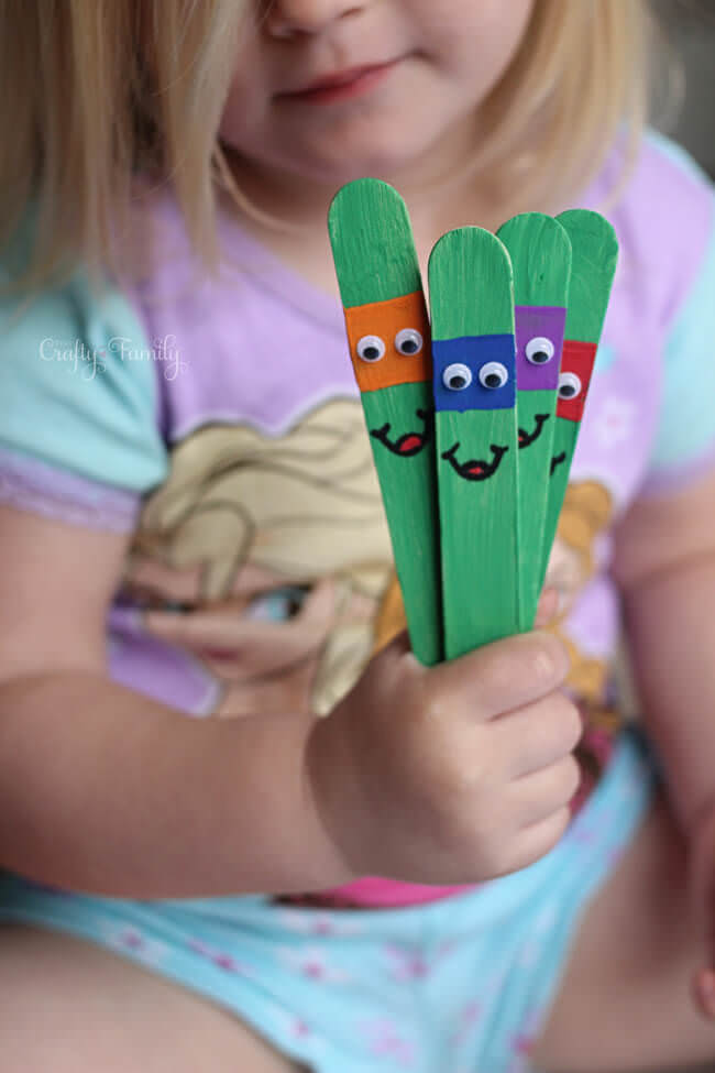 DIY ninja kid craft from popsicles (via yourcraftyfamily)