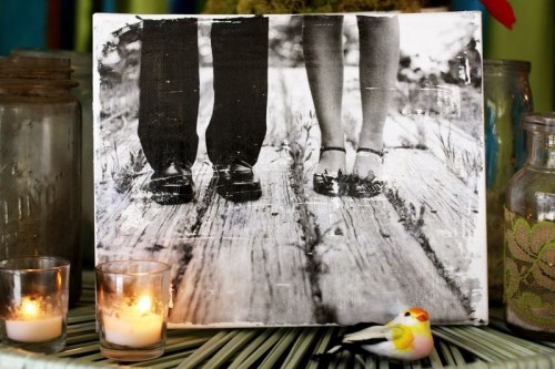 DIY photo vintage canvas (via shelterness)