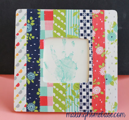DIY scrap fabric covered picture frame (via makinghomebase)