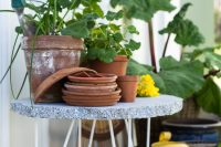 DIY concrete table with hairpin legs