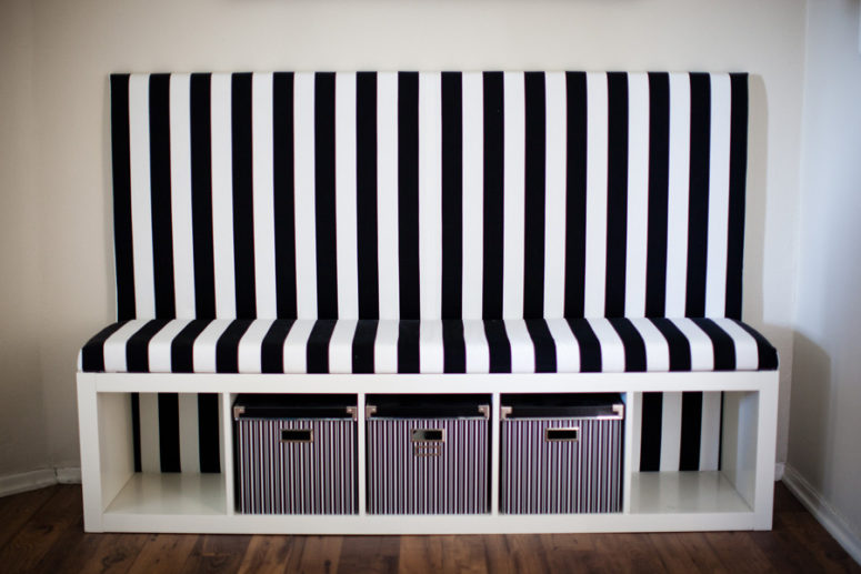 DIY timeless black and white banquette seat (versatile and easy to change fabric design) (via https:)
