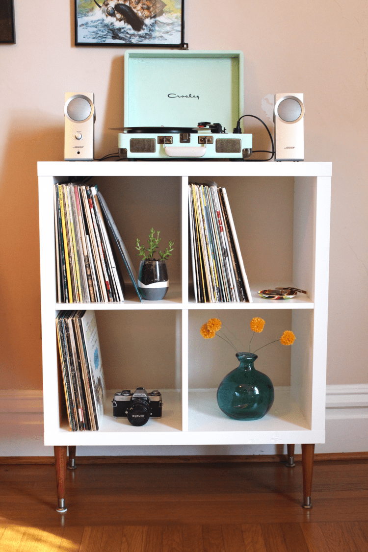 DIY vinyl record shelf from Kallax (via thesurznickcommonroom)