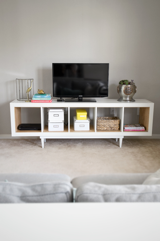 DIY Kallax TV stand (via infarrantlycreative)