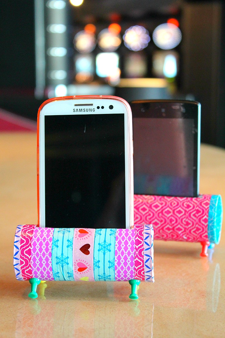 DIY colorful phone holder of a toilet paper roll (via theseamanmom)