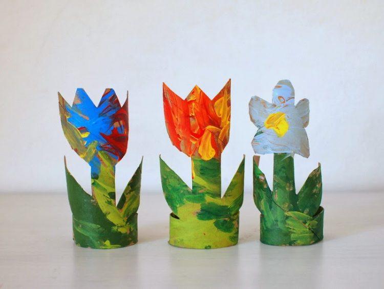 DIY toilet paper roll plants (via pinkstripeysocks)