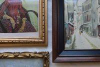 DIY vintage picture frame wall