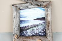 DIY driftwood photo frame