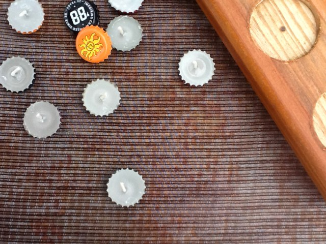 DIY bottle cap tea lights (via francoisetmoi)