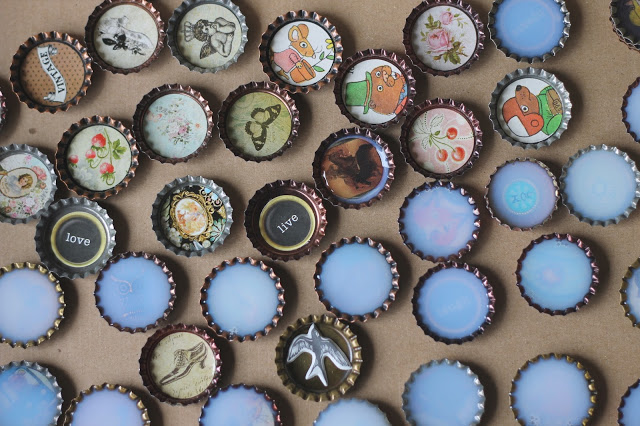 DIY fun bottle caps (via treasureinanearthenvessel)
