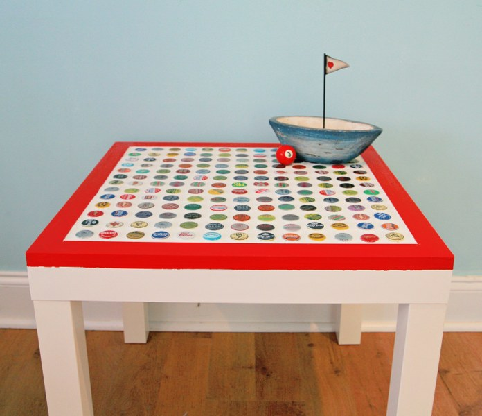 DIY bottle cap table (via mysocalledcraftylife)