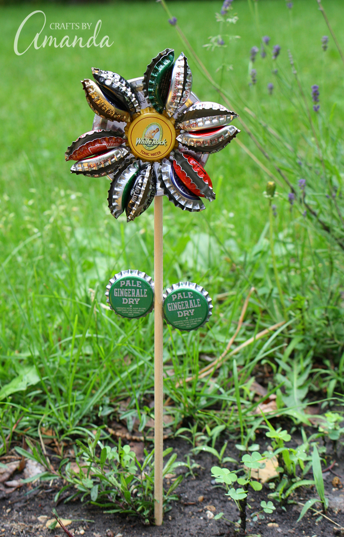 DIY bottle cap flower for outdoors (via craftsbyamanda)