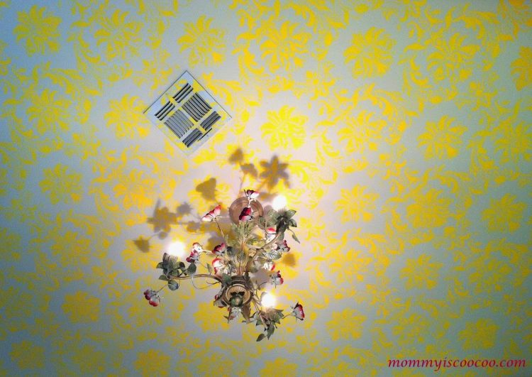 How to stencil a ceiling in a bold way (via mommyiscoocoo)