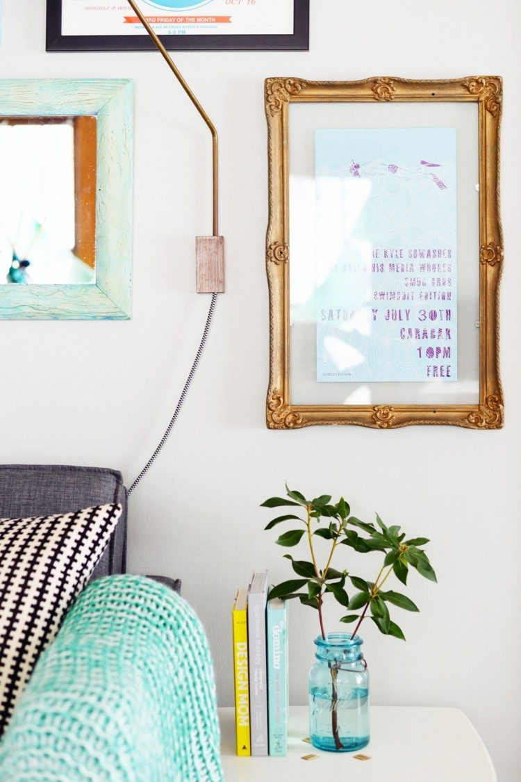 DIY vintage floating frame (via shelterness)