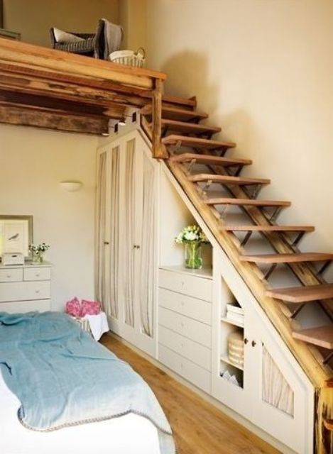 Elegant Simple Side Wooden Staircase