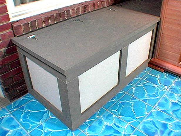 DIY simple wood and plywood storage bench (via diynetwork)