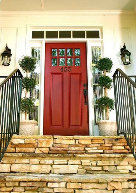 bold red color is great with white sidelights