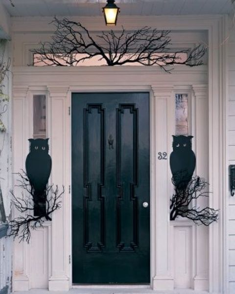 27 chic dark front doors to try for your entry shelterness for Front door and frame